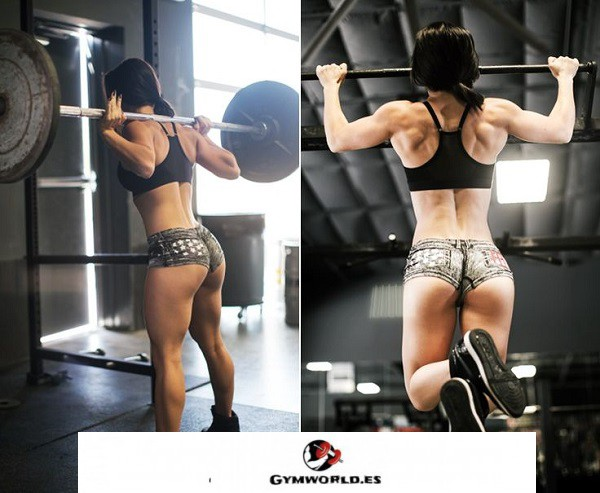 mujer con fuerza muscular